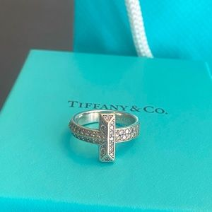 T1 Tiffany T Tiffany & Co. Ring White Gold